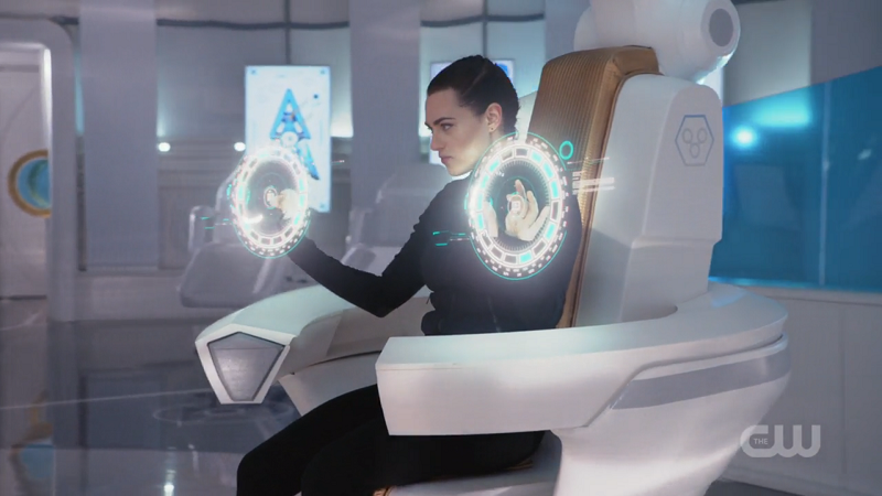 Lena takes control of the spaceship like a bamf