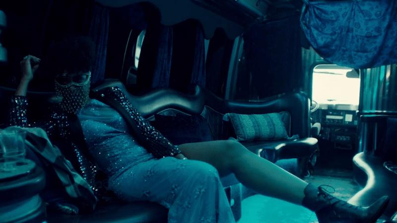 Contessa lounges like a pro