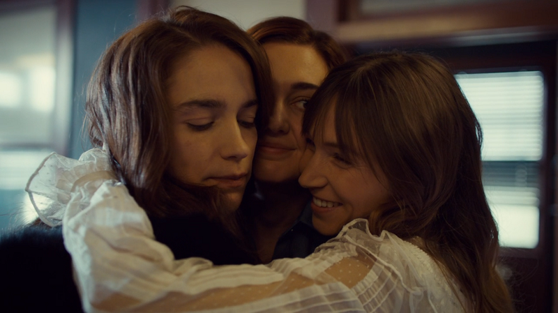 waverly brings nicole and wynonna into a group hug