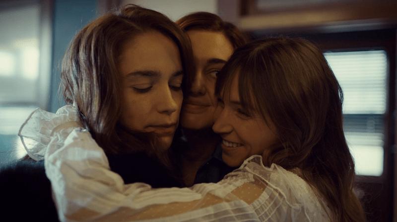 waverly brings nicole and wynonna into a group hug
