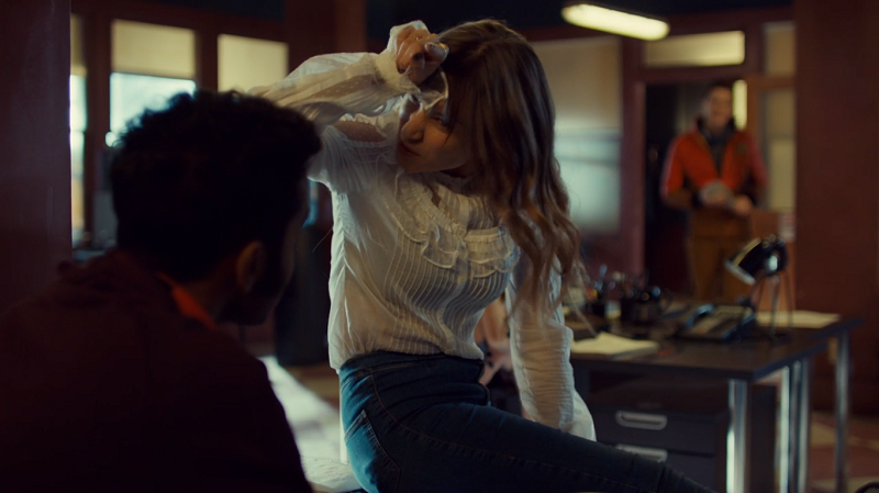 Waverly puts her finger to her forehead like she's a unicorn