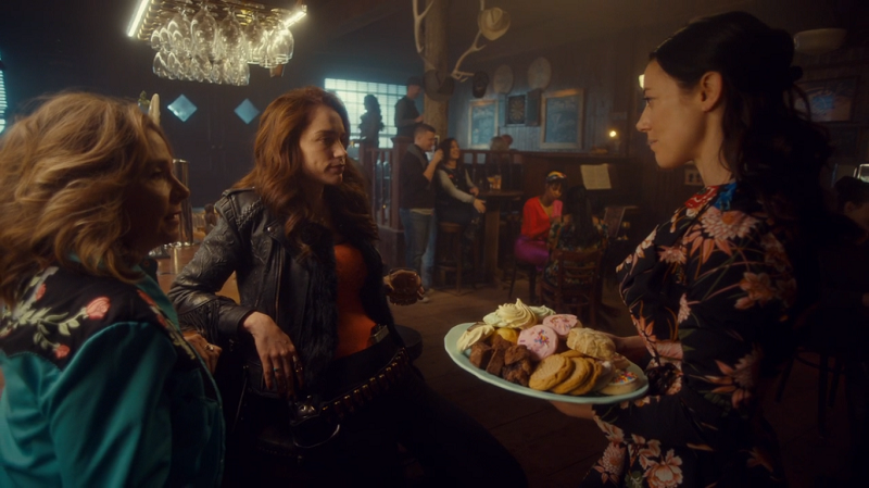 Jolene desperately tries to distract Wynonna and Michele