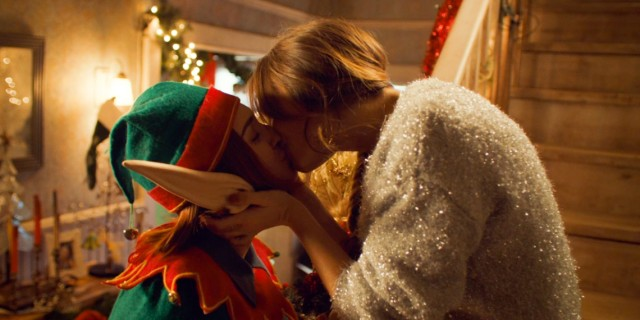 WayHaught Christmas kiss
