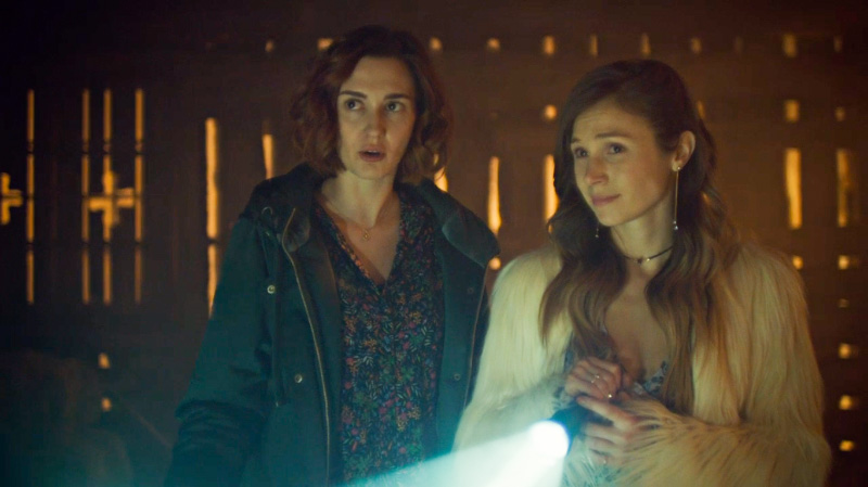 Nicole and Waverly are supportive of Robin's weird