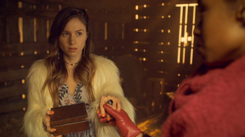 Kate warns Waverly about the ring on her finger