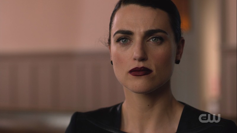 Lena's dark lipstick is TO DIE FOR