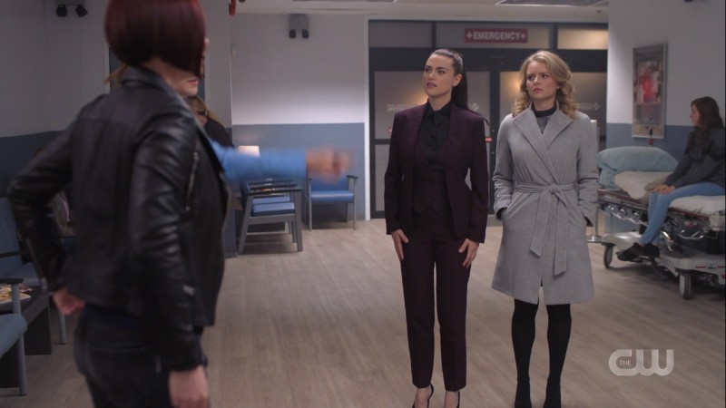 Alex, Kara, Lena and Eve are just standing around the hospital waiting room but you can see Lena's FULL SUIT