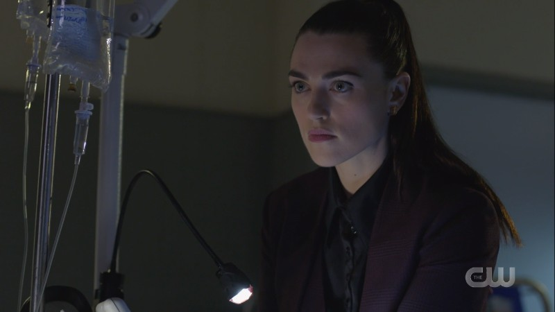 Lena takes over the operating room