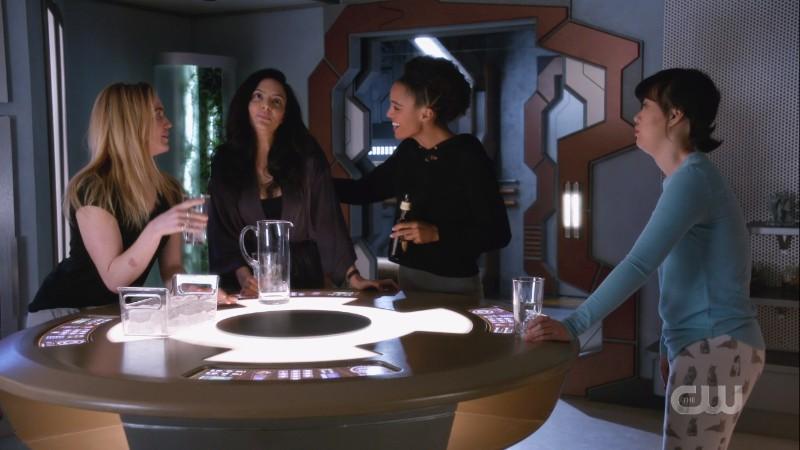 Sara, Charlie and Mona try to get Zari to fess up abotu her dream