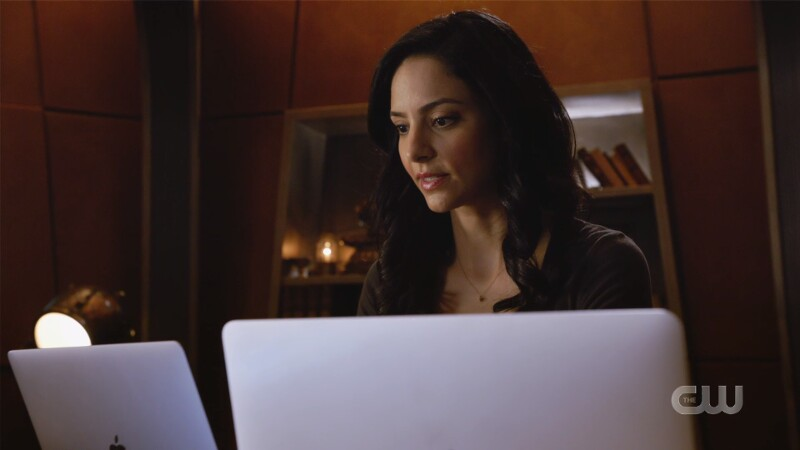 Zari has two screens in front of her