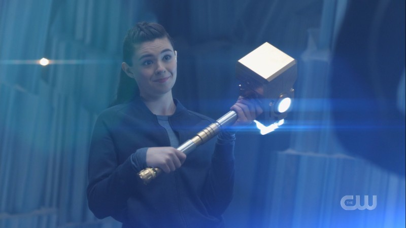 Nia holds a hammer that looks like Thor's but definitely isn't