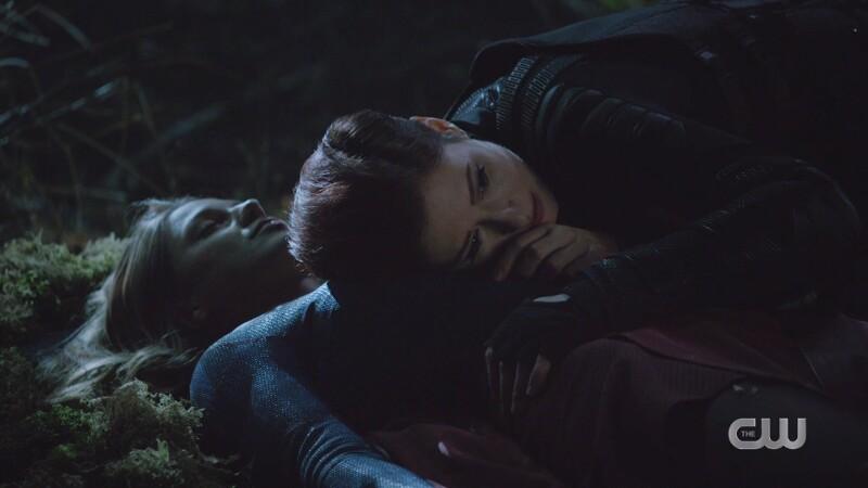 Alex listens desperately for Kara's heartbeat