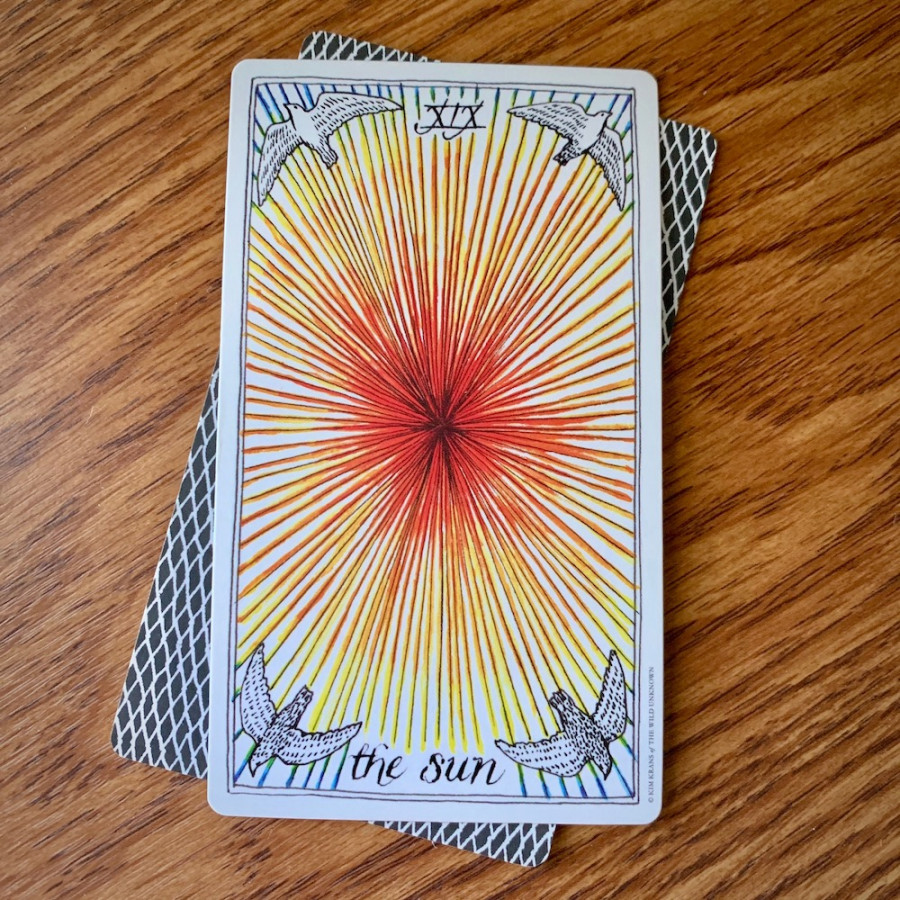 Queer Tarotscopes: Gemini Season Dares You to Try New Things