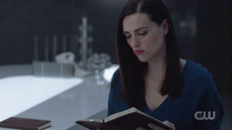 lena reads the journal