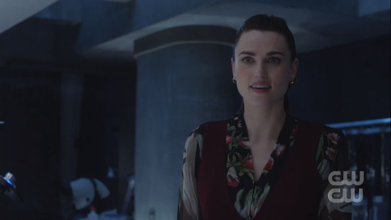 lena makes crazy eyes while she philosophizes