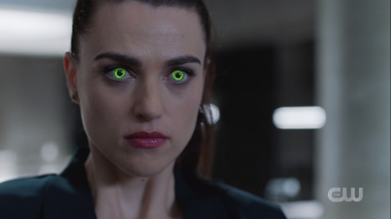 lena's eyes turn green as she incepts