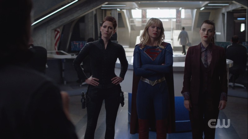 DEO Alex, Supergirl, and Lena fucking Luthor stand in a row looking smart and tough