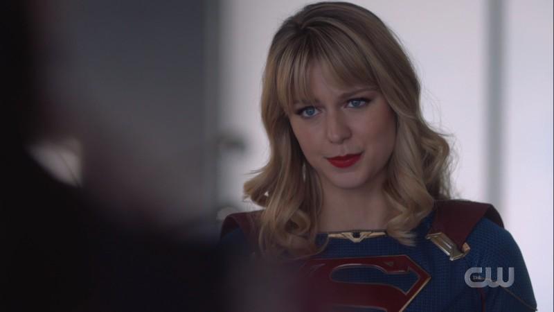 Kara makes pleading eyes at Lena