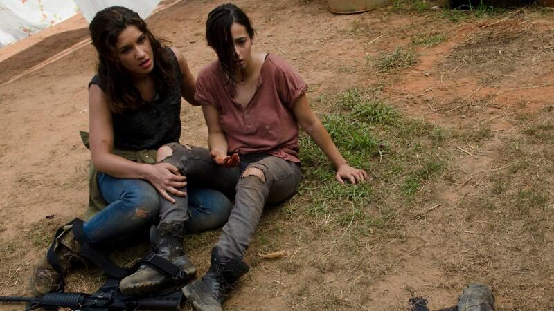 Alisha (Juliana Harkavay) and Tara (Alana Masterson)