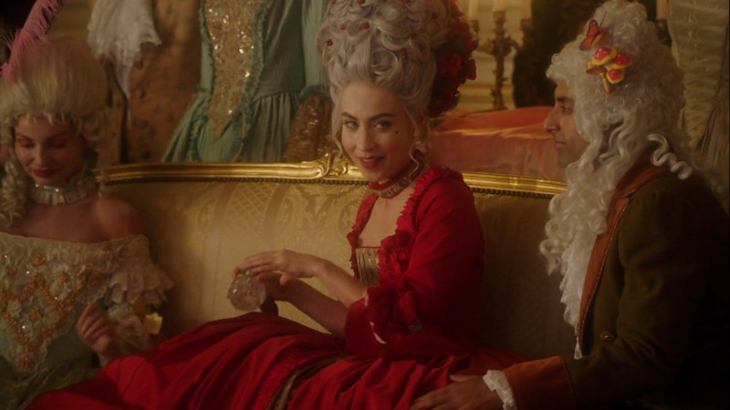 Marie Antoinette looks like Nora