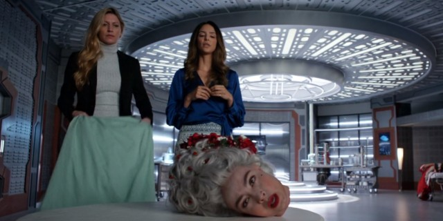 ava zari and marie antoinette's head