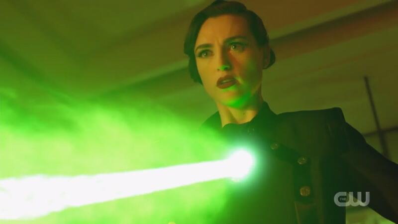 Lena shoots Supergirl