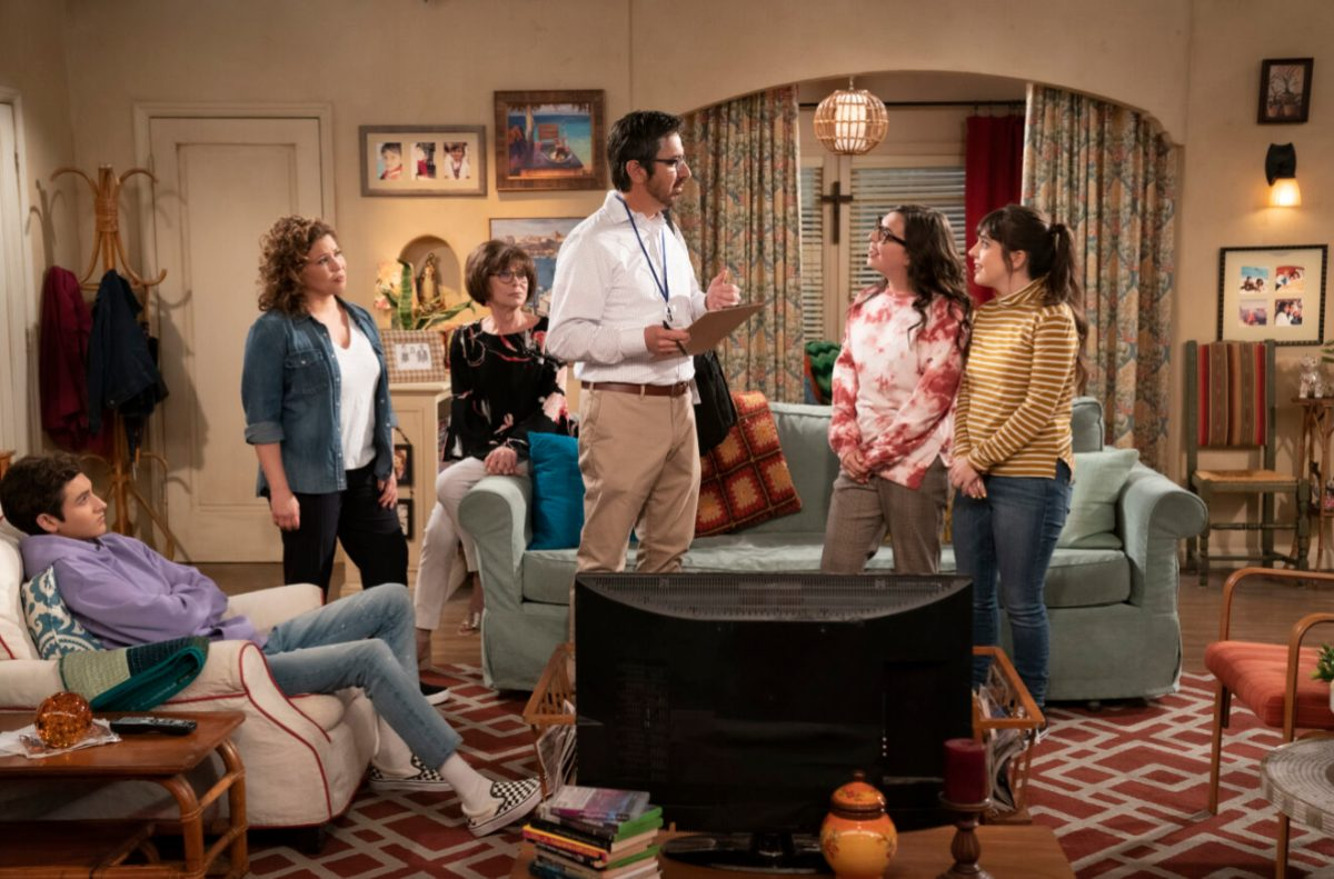 Marcel Ruiz as Alex, Justina Machado as Penleope, Rita Moreno as Lydia, Ray Romano as Brian, Isabella Gomez as Elena and Sheridan Pierce as Syd in ONE DAY AT A TIME. Photo Credit: Nicole Wilder/POP TV.