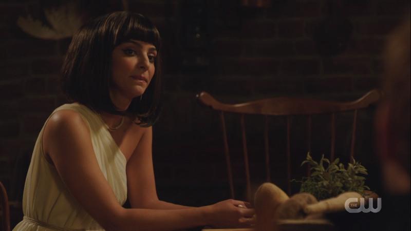 zari looks contemplative dresses as cleopatra