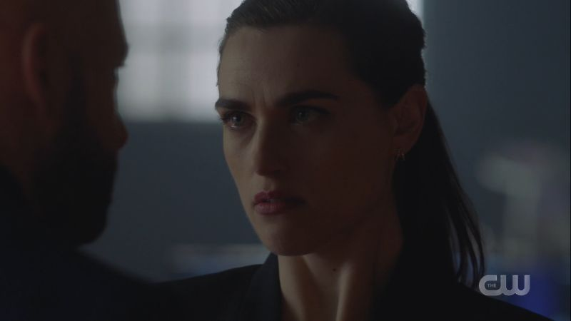 Lena glares at Lex