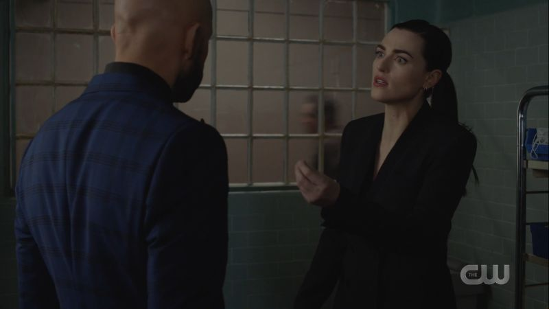 lena makes the italian scolding hand motion
