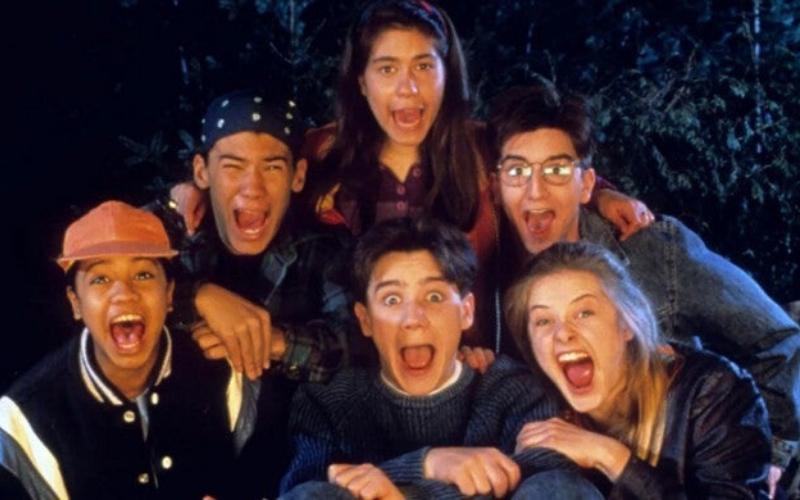 Six teens scream at the camera