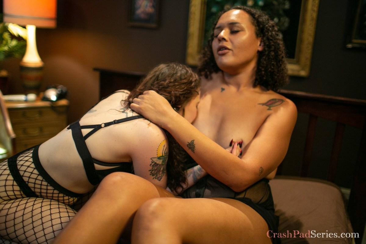 Byron DuBois and Daizy Blaze, nipple play
