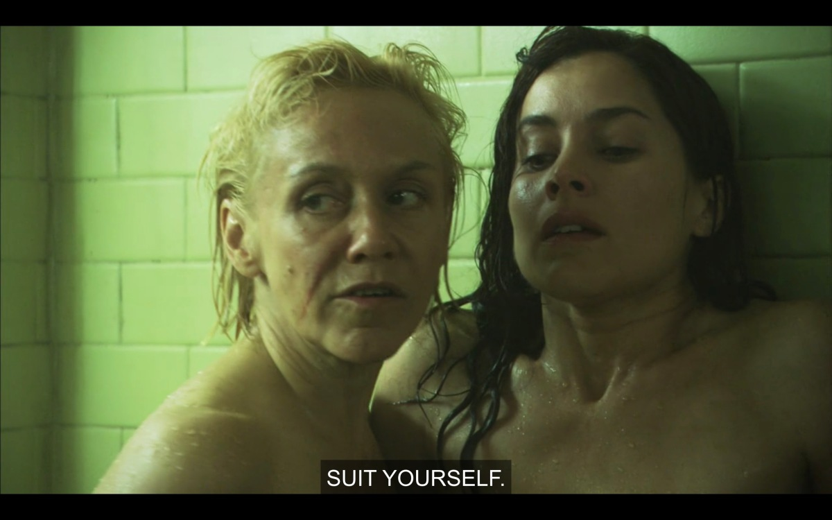 """Jackie and Helena in the showers, after Dusty defended Helena, Jackie is backing off and saying """"suit yourself"""""""