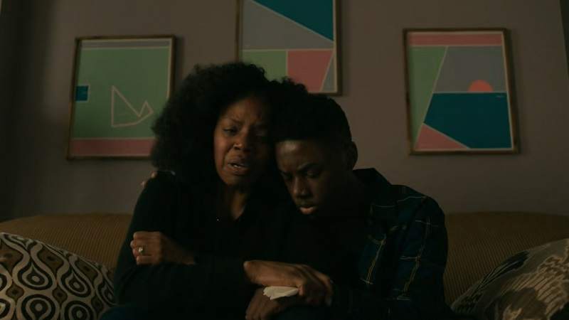 Kevin and his mother, Nina, cry over Kiesha's disappearance.
