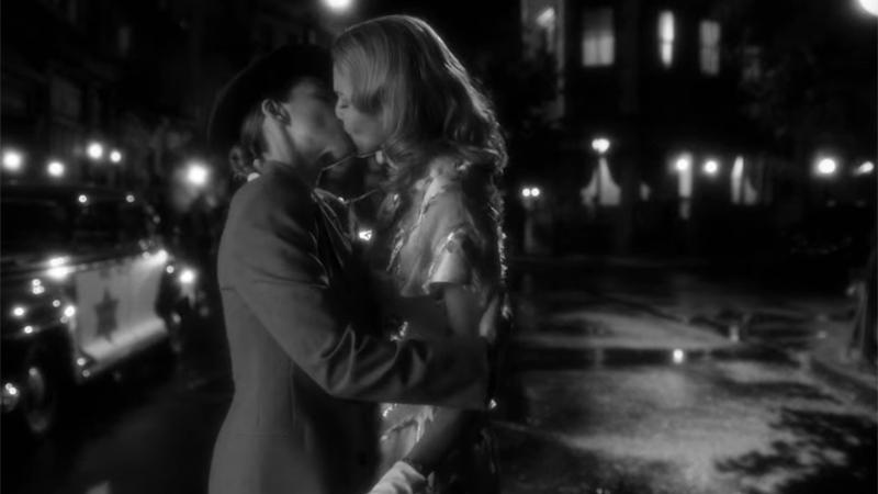 lauren german tricia helfer kiss