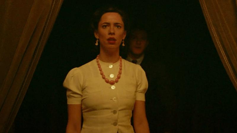 Elizabeth in Professor Marston and the Wonder Women.