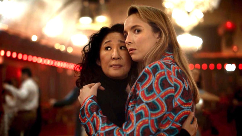 Eve and Villanelle embrace in Killing Eve