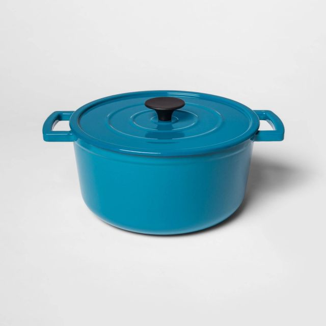 A turquoise blue dutch oven.
