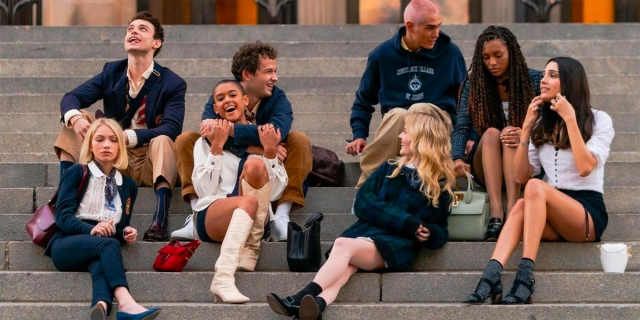 The cast of the new Gossip Girl on the steps of the Met.