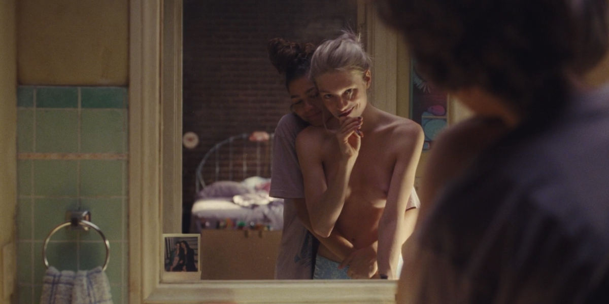 Rue and Jules embrace in front of the mirror on Euphoria.