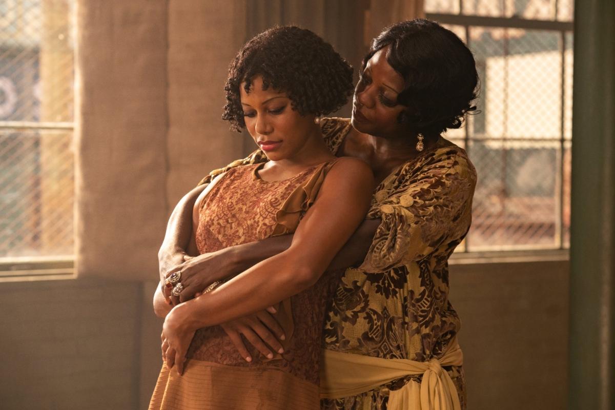 Black Ebony Lesbian Strap