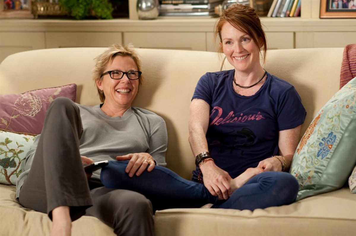 """Annette Beninng and Julianne Moore in """"The Kids are All Right"""" (2010)"""