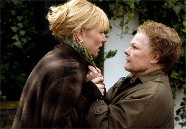 """Judi Dench in """"Notes on a Scandal"""" with Cate Blanchett"""