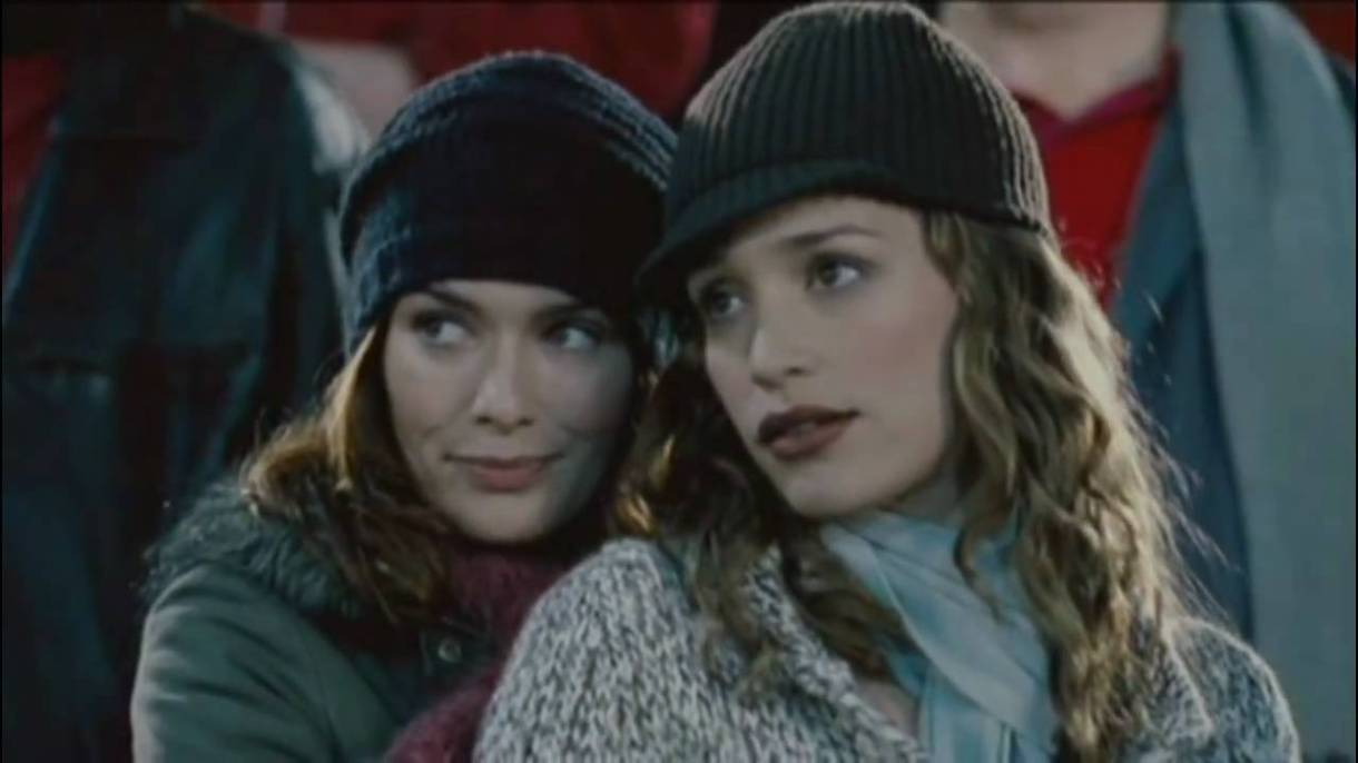"""Lena Heady and Piper Perabo in """"Imagine Me and You"""" (2005)"""