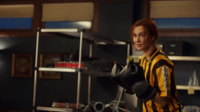Nicole looks exhausted but holds her boxing gloves up ready for whatever Wynonna is going to throw next.