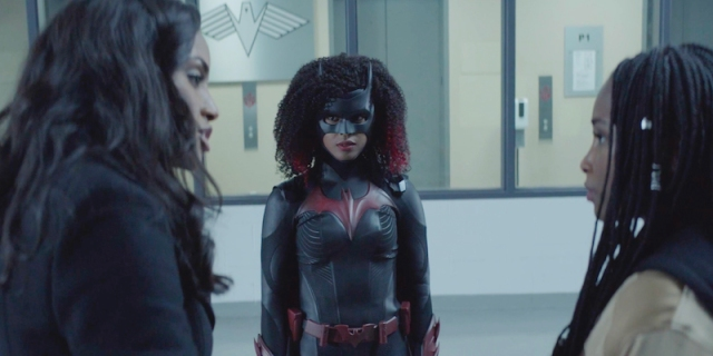 Batwoman recap Wildmoore in frame with their newest shipper, Sophie's sister Jordan.
