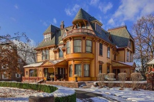Victorian brownstone in New England
