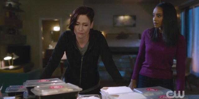 Supergirl Recap 602: Kelly looks over a stressed Alex Danvers