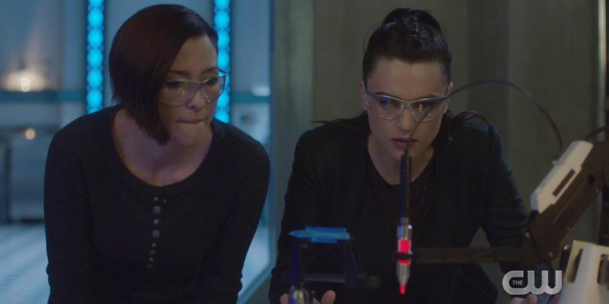 Alex Danvers and Lena Luthor do some crazy science together #AgentCorp