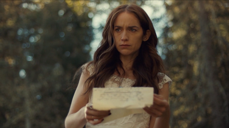 Wynonna Earp series finale recap: Wynonna holds a letter and cries.